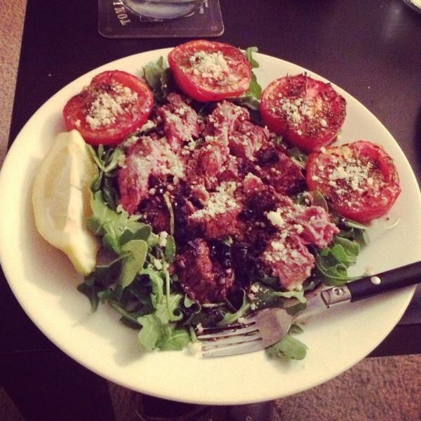food, cooking, recipe, salad, salad recipe, steak, steak recipe, steak salad, steak salad recipe, healthy food, healthy recipe, healthy steak recipe, grilled steak, roasted tomatoes, arugula, balsamic vinegar, reduction, balsamic vinegar reduction, steak and roasted tomato salad
