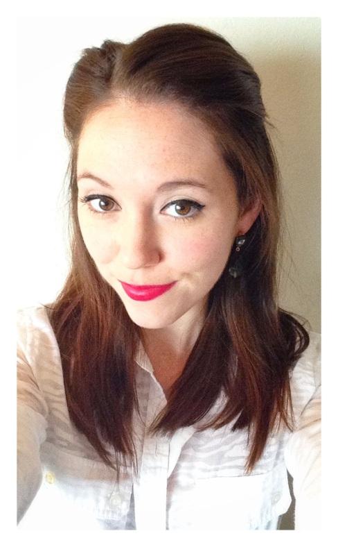beauty, style, fashion, earrings, drop earrings, red lips, makeup, cat eye