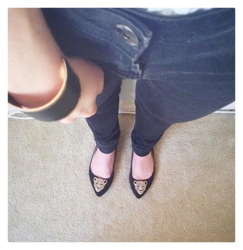 fashion, style, jeans, black jeans, denim, black denim, flats, shoes, black flats, leopard print, leopard flats, leopard brooch, leopard brooch flats, accessories, jewelry, bracelet, cuff, cuff bracelet