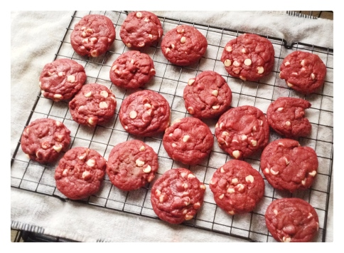 food, cooking, baking, dessert, recipe, recipes, cookies, cookies recipe, cookie recipes, red velvet, red velvet cake, red velvet cookies, red velvet cookies recipe, white chocolate, sweets, white chocolate chips