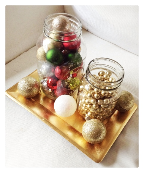 decor, holiday decor, decorating, home, home decor, home decorating, design, interior design, holiday decor, decorations, holiday decorations, christmas decor, christmas decorations, winter decorations, winter decor, mason jars, mason jar decor, mason jar decorations, mason jar christmas decorations, gold, ornaments, red, green, holiday, holidays, gold tray