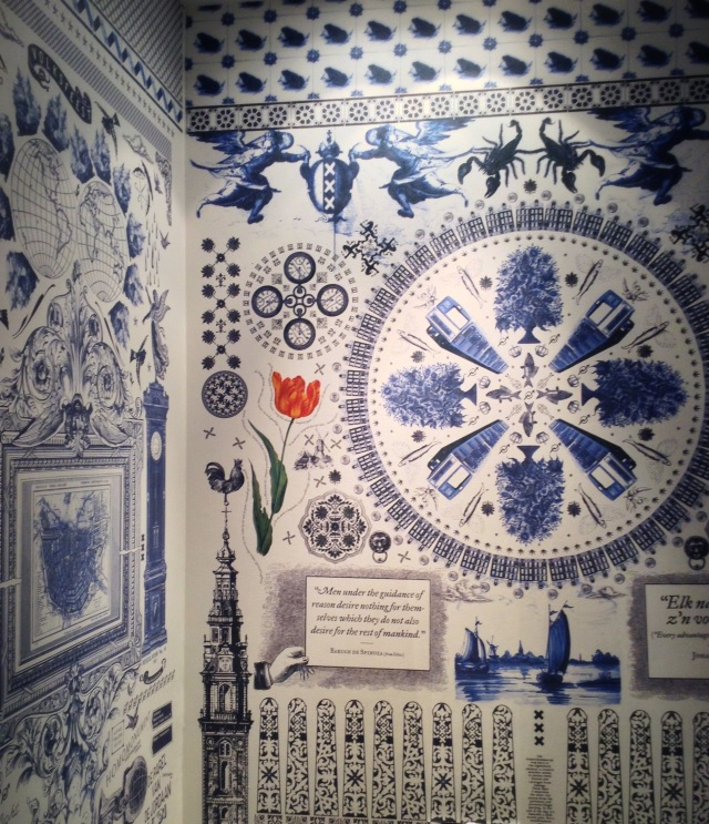 decor, home decor, home, decorating, design, interiors, interior design, interior decorating, pattern, delft blue, delft blue pattern, wallpaper, patterned wallpaper, delft blue wallpaper, amsterdam, dutch print, dutch pattern